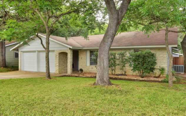 <div class='field-listing-address-1'>7209 Southwind Dr</div>